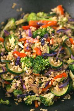 Vegan stir fry recipe | simpleveganblog.com #vegan #glutenfree