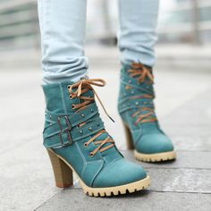 Wholesale fashion stylish boots with buckle