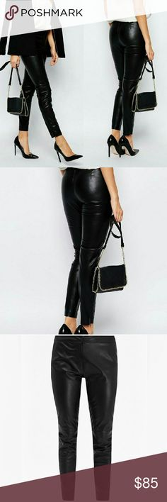 French Connection Faux Leather Legging/Pant Smooth, supple leather-look fabric Unlined design Mid-rise waist Zip front with hook fastening ?Regular fit - true to size French Connection Pants Ankle & Cropped