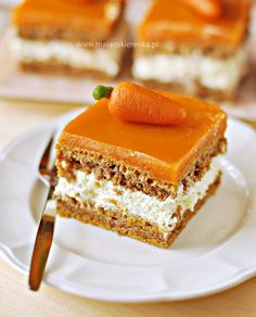 Ciasto marchewkowe z kremem i polewą marchewkową