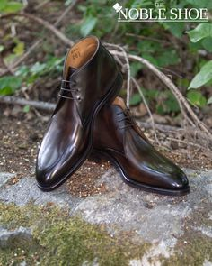 """🇵🇹""""He was a man of peace, living a quiet life in Seattle. Until one day, all hell broke loose. Captain Chukka called him. Tim, we need you. He replied: I am a man of peace now, I am done buying shoes. But that's it Tim, they got your wallet! Noooooo!"""" . Captain Chukka gave him a very simple mission. Pay the ransom of 309$ and in return he could keep a pair of the finest Carlos Santos Chukkas available. To sweeten the deal, the return flight home would be free with DHL and the shoes… Buy Shoes, Dress Shoes, Man Of Peace, Be A Man, We Need You, Goodyear Welt, Seattle, Oxford Shoes, Pairs"""