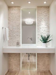 stenen muur mooi, doortrekken over de volledige muur, wastafel op tablet en spiegel op de muur More inspirations: www.covetlounge.net