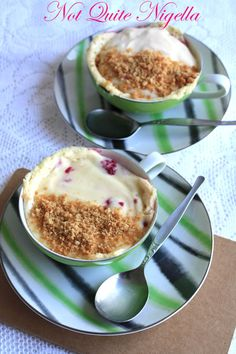 Bowl cake with blackberries and faisselle - HQ Recipes Just Desserts, Delicious Desserts, Dessert Recipes, Yummy Food, Mug Recipes, Cooking Recipes, Free Recipes, Mug Cheesecake, Skinny Cheesecake