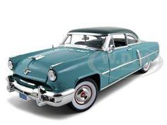1952 Lincoln Capri Green 1/18 Diecast Model Car by Road Signature   Car Intensity