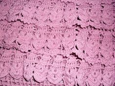 Sabe a Vanessa Montoro.... Aquela Suuper crocheteira.    Quando vi o desfile da sua nova coleção me apaixonei por um dos seus vestidos. Quer...