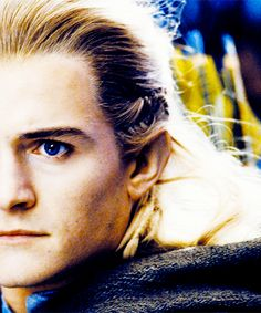 This is such a beautiful picture of Legolas, my goodness.