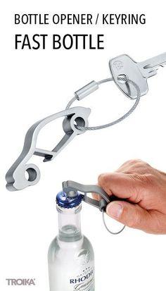 TROIKA FAST BOTTLE. Bottle opener in design of a sports car, with keyring *** Flaschenöffner im Design eines Sportwagens, mit Schlüsselring