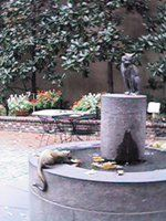 Betsy Ross House cat statue