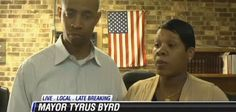 In the aftermath of a Missouri town's election of the first African-American mayor in their history, of the police force resigned. The former city clerk Tyrus Byrd became mayor of Parma, Missouri last Tuesday, only to Missouri Town, Meanwhile In America, Yesterday And Today, Civil Rights, Cops, Social Justice, Police Officer, Black History, How To Find Out