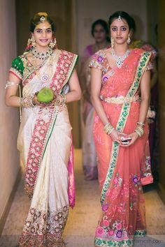 Indian Bridal Saree Look You Have To Steal – Designers Outfits Collection Indian Bridal Sarees, Indian Bridal Fashion, Indian Bridal Wear, Indian Beauty Saree, Indian Dresses, Indian Outfits, Sari Blouse Designs, Saree Look, South Indian Bride