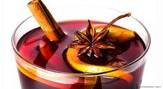 Hot, spicy, preferable alcoholic: a mulled wine is the perfect drink to celebrate Christmas. Here are 6 mulled wine and drink recipes from all around the world. Wine Recipes, Mexican Food Recipes, Italian Recipes, Sweet Recipes, Cooking Recipes, Moscato Sangria, Happiness Recipe, Traditional Christmas Food, Brulee Recipe