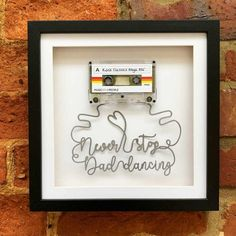 Box Frame Art, Deep Box Frames, Cool Fathers Day Gifts, Fathers Day Crafts, Gift For Music Lover, Music Lovers, Christmas Gift For Dad, Vintage Christmas, Music Crafts