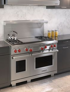 Cookers have actually come a long way because the The second world war and in addition to having numerous security features. Kitchen Pass, Grand Kitchen, Real Kitchen, Small Appliances, Kitchen Appliances, Stainless Steel Island, Small Oven, Electric Oven, Griddles
