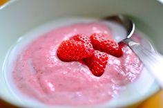 Vispipuuro – kesäpäivän lempein välipala Raspberry, Strawberry, Sweets, Fruit, Food, Gummi Candy, Candy, Essen, Strawberry Fruit