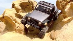 Axial SCX10 Jeep Brute - Pit Bull Growlers - Corona Del Mar - California