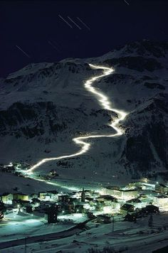 Night skiing in Val d'Isere - France. This would be so much fun!!!