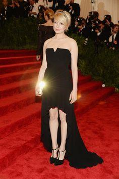 Todas las fotos de celebrities y de alfombra roja de la gala del MET 2013: Michelle Williams | Galería de fotos 30 de 151 | Vogue