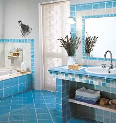 Tiles became so fashionable in bathrooms decoration and used a lot in modern interiors. The idea is to stick the mosaic pieces of the material of your choice, known as mosaic tessera, to create a scene. Coral Bathroom, Modern Bathroom Tile, Bathroom Tile Designs, Bathroom Interior Design, Interior Design Living Room, Small Bathroom, Tiled Bathrooms, Cuba Oval, Deco Turquoise