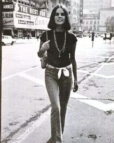 """Ali MacGraw, early 1970's. """"Looking at beautiful things is what makes me the happiest."""" ~ Ali MacGraw #AliMacGraw #actress #Hollywood #LoveStory"""