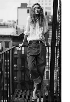 Ideas Photography Grunge Girl Fashion For 2019 - Fashion Model Poses Photography, Urban Fashion Photography, Fashion 2020, Paris Fashion, Girl Fashion, Street Fashion, Urbane Fotografie, Kreative Portraits, Modeling Fotografie
