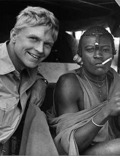 Hardy Krüger in Tansania. Mehr über seine Zeit in Afrika: http://www.travelbook.de/welt/Tansania-Wo-Hardy-Krueger-einst-seinen-Traum-von-Afrika-lebte-212693.html