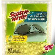 Para esas superficies delicadas que no limpias con cualquier cosa, Scotch Brite tiene el paño de Microfibra para lentes, CDs, DVDs y más. Con el eliminarás las huellas digitales sin dejar pelusa y atrapa el polvo sin rayar.