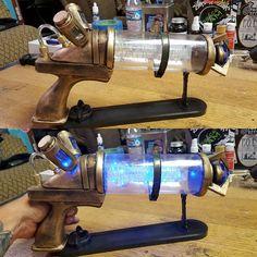 Built Jinx zap gun from League of Legends this weekend  #cosplay #prop…
