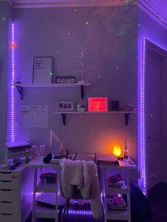 Chill Room, Cozy Room, Room Design Bedroom, Room Ideas Bedroom, Bedroom Inspo, Pinterest Room Decor, Indie Room Decor, Neon Room, Study Room Decor