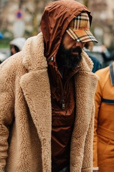 The Best Street Style from Paris Fashion Week Dapper Fellas Stylish Mens Fashion, Latest Mens Fashion, Fashion Mode, Urban Fashion, Fashion Outfits, Fashion Vest, Men's Outfits, Fashion Styles, Batman Outfits