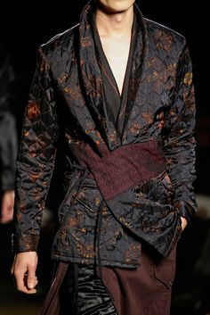 Dries Van Noten Fall 2015 Menswear Fashion Show Details