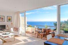Apartment with terrace and sea views in Illetas #mallorca #apartment #realestate #illetas #property
