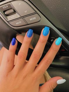 Blue Gel Nails, Colored Acrylic Nails, Short Square Acrylic Nails, Short Gel Nails, Acrylic Nails Coffin Short, Simple Acrylic Nails, Summer Acrylic Nails, Square Nails, Acrylic Nails Designs Short