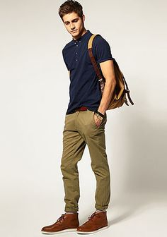 This off-duty combo of a navy polo and olive chinos is a surefire option when you need to look stylish in a flash. And if you want to effortlesslly perk up this outfit with footwear, why not complete your outfit with a pair of brown leather desert boots? Le Polo, Mode Masculine, Casual Outfits, Summer Outfits, Men Casual, Casual Wear, Summer Wear, Olive Chinos, Men's Fashion Styles