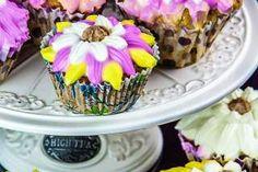 Briose Dukan de primavara Desserts, Food, Diets, Tailgate Desserts, Deserts, Essen, Postres, Meals, Dessert