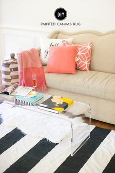 A modern rug made from painters drop cloth can transform any room with a pop of color. These inspiring DIY canvas rug designs will make you want to design a rug for your home too! Diy Living Room Furniture, Diy Living Room Decor, Diy Home Decor On A Budget, Furniture Decor, Diy Wand, Painted Rug, Painted Canvas, Drop Cloth Rug, Drop Cloths
