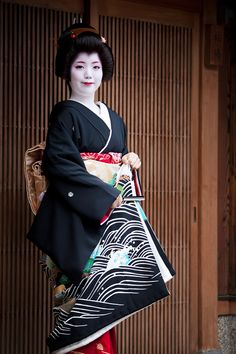 geiko Ayano on the day of her erikae