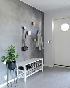Scandinavian Home muuto dots Hallway Decorating, Entryway Decor, Modern Entryway, Interior Design Living Room, Living Room Decor, Hall Interior, Decoration Hall, Flur Design, Scandinavian Home