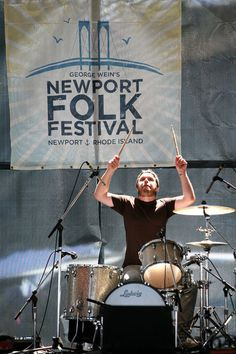 will have to come back to this- free online music from the Newport (Rhode Island) Folk Festival