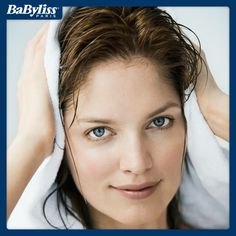 #HairTips Ricordate di tamponare i capelli con un asciugamano dopo averli lavati: se eliminerete l'acqua in eccesso il calore del phon non li rovinerà! #capelli #hair #hairstyle #phon #bellezza #beauty #benessere