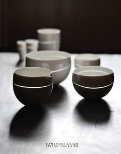 Cups and bowls Porcelain Ceramics, Ceramic Bowls, Ceramic Pottery, Pottery Art, Japanese Ceramics, Japanese Pottery, Hand Thrown Pottery, Ceramics Projects, Tea Bowls