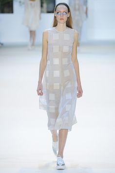 Akris Spring 2016 Ready-to-Wear Fashion Show - Susanne Knipper (Elite)