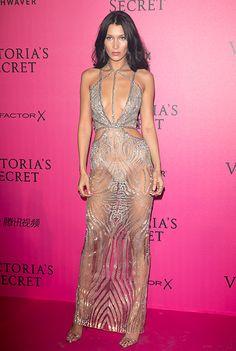 Белла Хадид, Адриана Лима и другие продемонстрировали смелые декольте на афтепати шоу Victoria's Secret