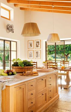 Cottage House Plans, Cottage Homes, Santa Fe Home, Kitchen Island, Kitchen Cabinets, Natural Home Decor, Decoration, Kitchen Decor, Sweet Home