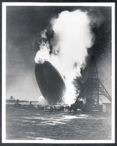 vintage everyday: 20 Incredible Vintage Photographs Describing the Life of LZ 129 Hindenburg Airship Antique Photos, Vintage Pictures, Vintage Photographs, Old Photos, Us History, History Facts, Advertising History, Horrible Histories, Vintage Airplanes