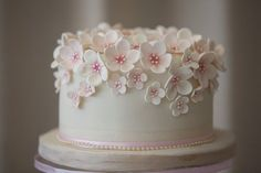 Sugar blossom birthday cake by The Pretty Cake Company – - Birthday Cake Blue Ideen Birthday Cake With Flowers, Pretty Birthday Cakes, Birthday Cakes For Women, Pretty Cakes, Beautiful Cakes, Small Birthday Cakes, Fondant Flower Cake, Fondant Cakes, Cupcake Cakes
