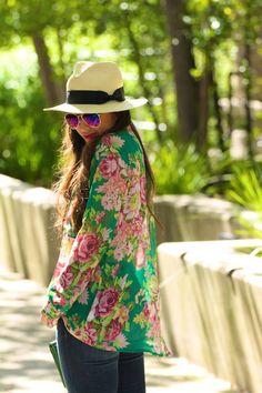 Floral #Top from azita66.tumblr.com  - for more fashion visit http://pinterest.com/franpestel/fashion-rien-que-de-la-mode/