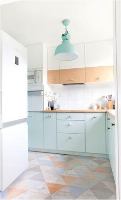 Colorful Kitchen Decor, Pastel Kitchen, Kitchen Cabinet Colors, Kitchen Colors, Kitchen Cupboard, Blue Kitchen Cabinets, Kitchen Backsplash, White Cabinets, Kitchen Wood