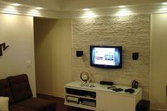 Casa comigo!: Canjiquinha no painel da sala de TV Media Center, First Home, Good Company, Home Theater, House Design, Living Room, Home Decor, Interior Design, Lima