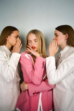 http://trendland.com/michal-pudelka-capturing-the-abstract-side-of-fashion/?utm_source=sendicate