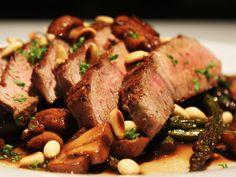Steak+with+Balsamic+Mushrooms+&+Asparagus